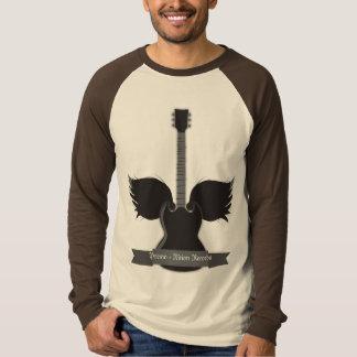 La guitarra se va volando la camiseta remera