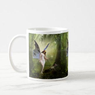 La hada y la mariposa taza de café