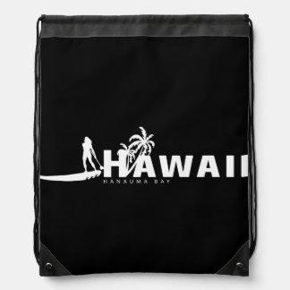 La hawaiana Hawaii se coloca para arriba de Mochila