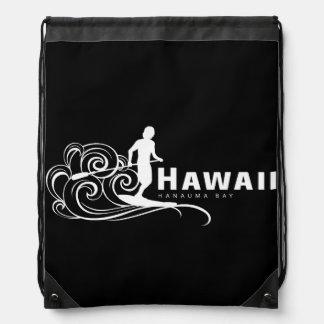 La hawaiana Hawaii se coloca para arriba de Mochilas