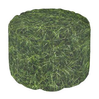 La hierba es siempre un taburete redondo más verde puf redondo