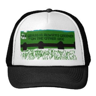 La hierba es siempre verde… gorra