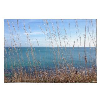 La hierba y el mar hermosos manteles