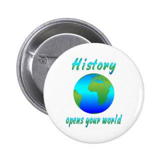 La historia abre los mundos pin