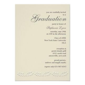 La hoja acentúa la invitación de la graduación invitación 12,7 x 17,8 cm