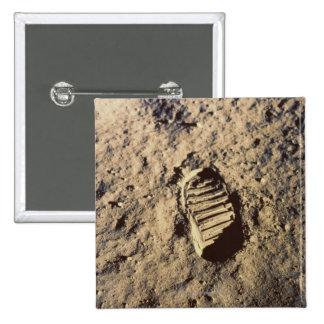La huella del astronauta pin cuadrada 5 cm