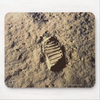 La huella del astronauta mousepads
