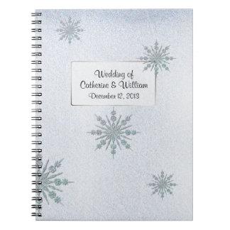 La huésped cristalina del boda del invierno de los libro de apuntes