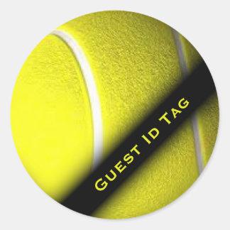 La identificación de la huésped del tenis marca a
