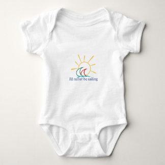 La identificación esté navegando bastante mameluco de bebé