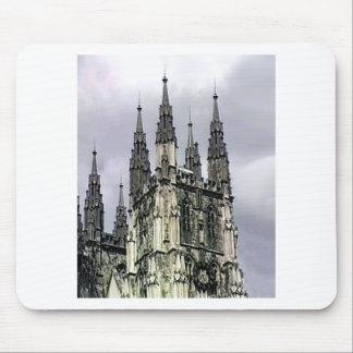 La iglesia de Inglaterra Cantorbery tuerce en espi Tapete De Ratones
