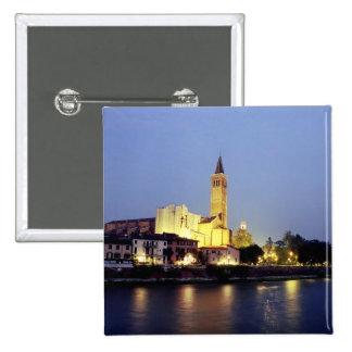 La iglesia de Sant'Anastasia en Verona, Italia Pin Cuadrada 5 Cm