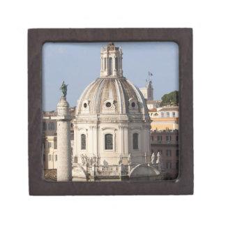 La iglesia de Santissimo Nome di Maria y Cajas De Joyas De Calidad