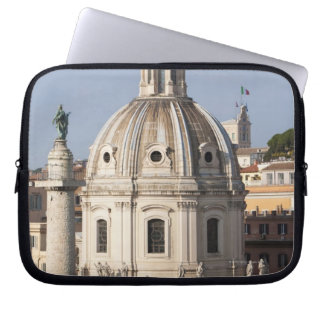 La iglesia de Santissimo Nome di Maria y Funda Portátil