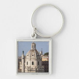 La iglesia de Santissimo Nome di Maria y Llavero Cuadrado Plateado