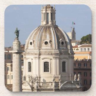 La iglesia de Santissimo Nome di Maria y Posavasos