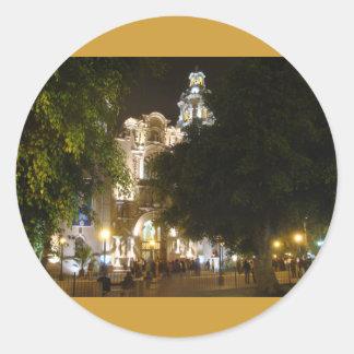 La Iglesia en la noche Pegatina Redonda