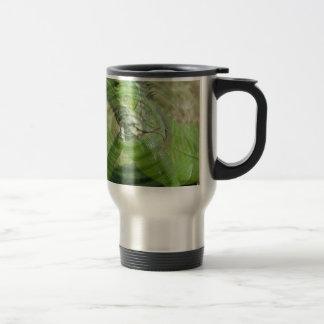 La iguana verde taza de viaje