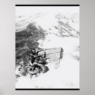 La imagen rescuing_War de U.S.S. Queenfish Póster