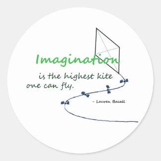 """La """"imaginación es la cometa más alta """" etiquetas redondas"""
