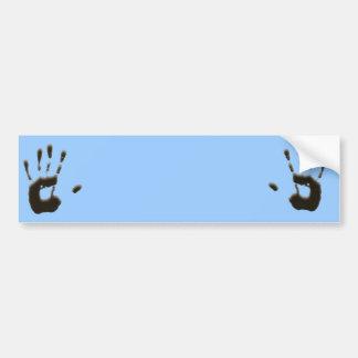 La impresión de la mano etiqueta de parachoque