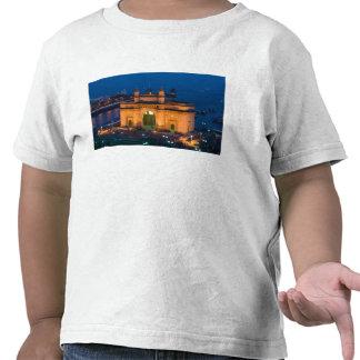 La INDIA, Bombay (Bombay): Entrada de la India/ Camisetas