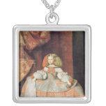La infanta Maria Marguerita en rosa Collar Plateado