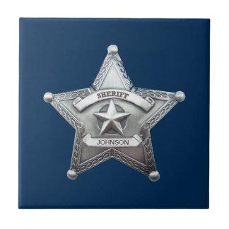 La insignia de encargo del sheriff azulejo cuadrado pequeño