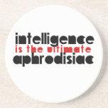 La inteligencia es el último afrodisiaco posavasos manualidades