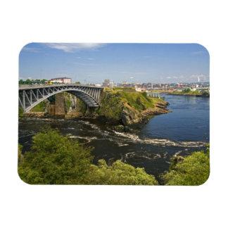 La inversión cae en el río de St. John en St. 2 Imanes Flexibles