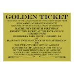 La invitación de oro del cumpleaños del boleto