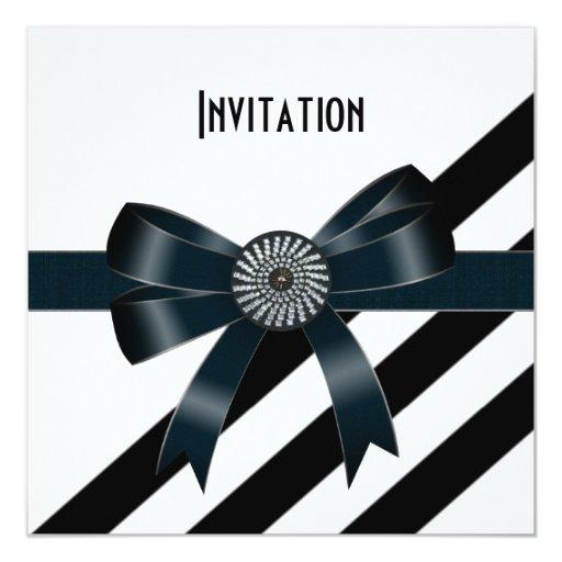 La invitación ocasiona el arco blanco negro del