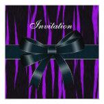 La invitación toda ocasiona el arco púrpura negro