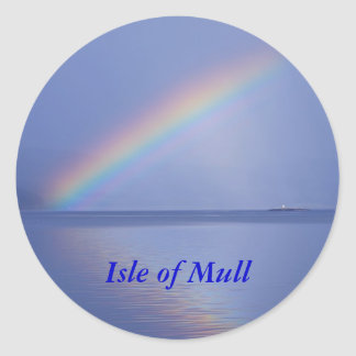 La isla de reflexiona sobre el arco iris pegatina redonda