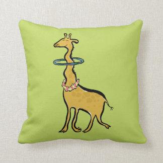 la jirafa alegre del hula cojin