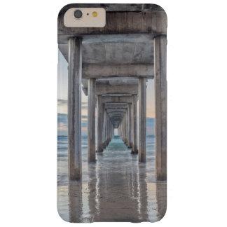 La Jolla, embarcadero de Scripps Funda Barely There iPhone 6 Plus