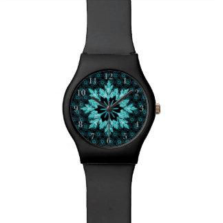 La joya elegante tiene gusto de la aguamarina y de relojes
