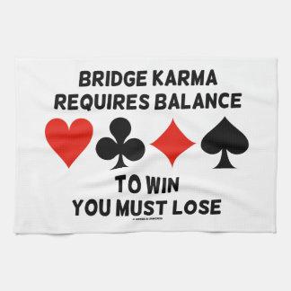 La karma del puente requiere la balanza ganarle toallas