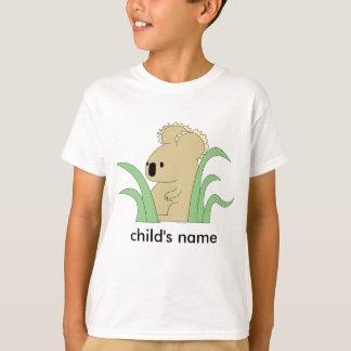 la koala del niño sale de la camiseta
