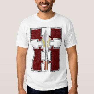 La lanza de Lúgh - diseño del frente de camisa