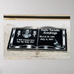 La lápida mortuaria de Natasha Posters