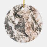 La lava invertida corteza del roble tiene gusto de ornamentos de reyes magos