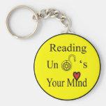La lectura abre su mente llavero personalizado