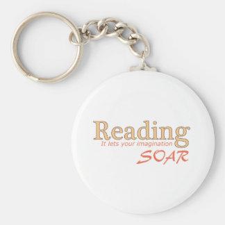 La lectura… de él deja su imaginación elevarse llavero personalizado