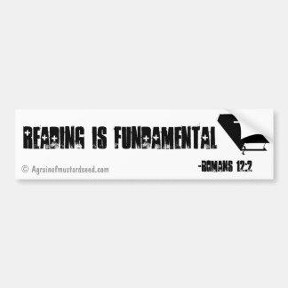 La lectura es fundamental pegatina para coche