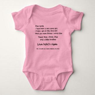 La letra a Santa modifica nombre y artículos del Body Para Bebé