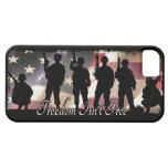 La libertad no es silueta militar libre del soldad iPhone 5 protector