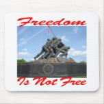 La libertad no está libre alfombrillas de raton