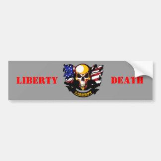 La libertad no está libre pegatina para auto