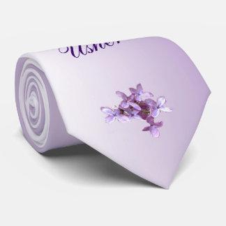 La lila floral florece casando el mejor lazo del corbata